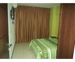 Bonito departamento amoblado en alquiler de 3 dormitorios Av Paragua.