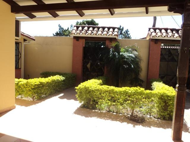 Casa Independiente, 3 dormitorios, Radial 26. - 2