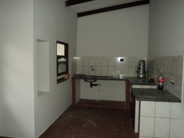 Departamento sencillo de 2 dormitorios, Radial 27 3er y 4to anillo. - 5