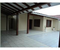 Casa independiente en alquiler zona Av Paragua.