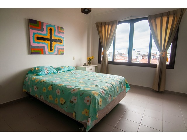 Looking for roommate, roommie, piso compartido.