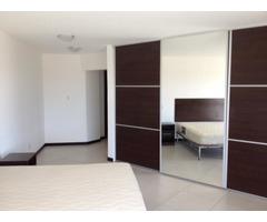 Departamento amoblado, 3 dormitorios, Av. San Aurelio.