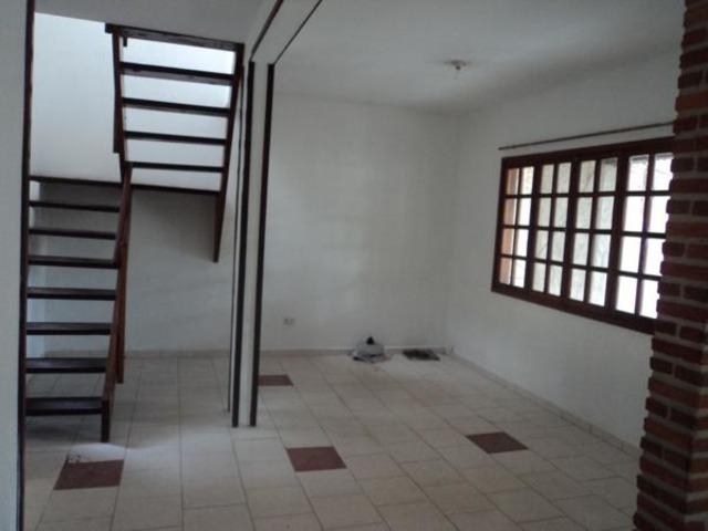 Pequeña Casa Independiente en Alquiler de 2 Plantas. - 5
