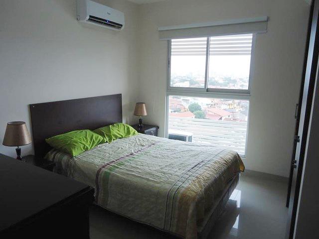 Departamento amoblado en alquiler 3 dormitorios Av Guapay 2do anillo. - 2