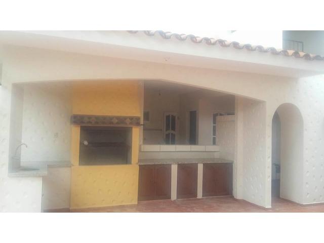 Amplia casa en alquiler 3er anillo y Real Santa Cruz. - 9
