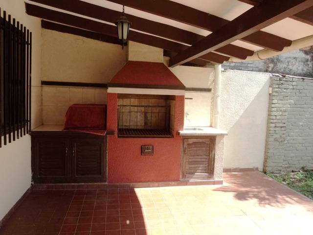 Casa semi independiente en alquiler, 2 dormitorios, Av. Beni. - 13