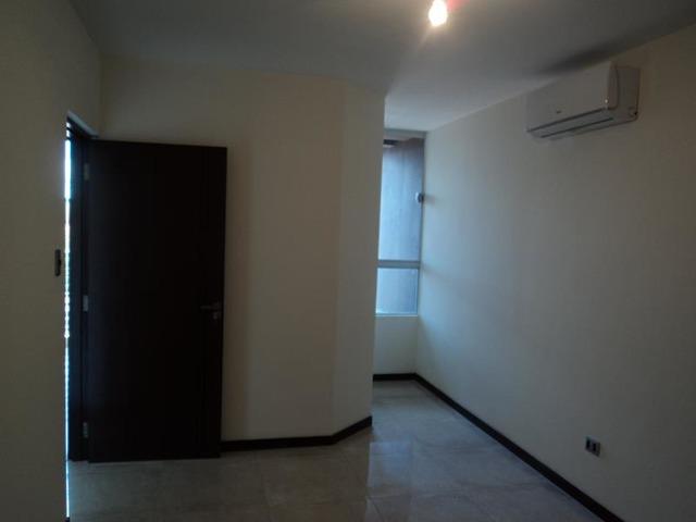 Departamento en alquiler de 2 dormitorios Av Beni. - 2