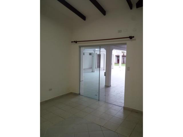 Casa amplia de 4 dormitorios zona Paragua y 2do anillo. - 10