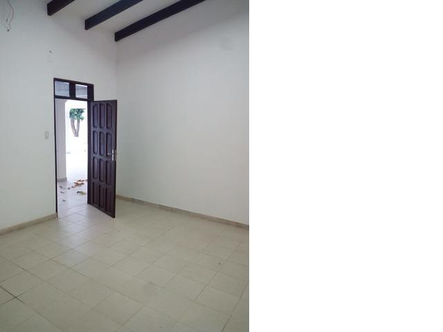 Casa amplia de 4 dormitorios zona Paragua y 2do anillo. - 12