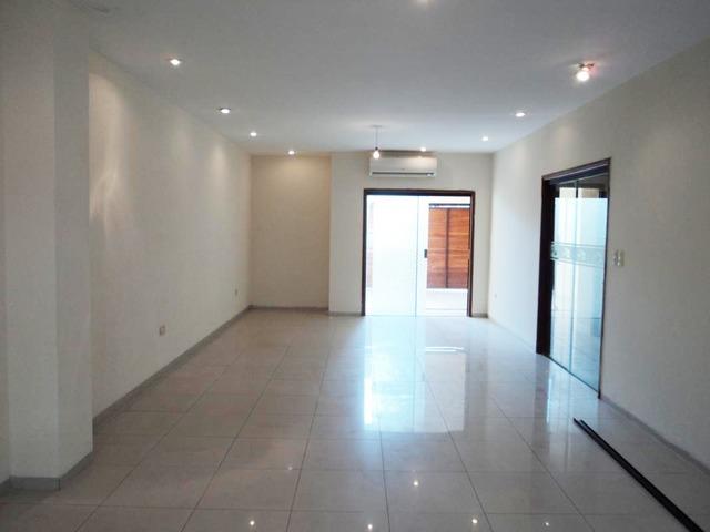 Hermosa casa independiente en anticretico de 4 dormitorios zona Paragua. - 3