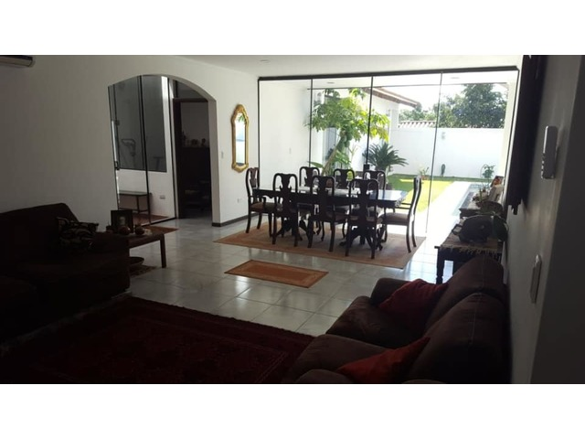 Hermosa y amplia casa semi amoblada con piscina 4 dormitorios zona norte. - 4