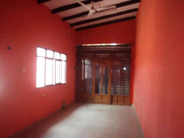 Casa en alquiler zona Canal Cotoca y 4to anillo. - 2