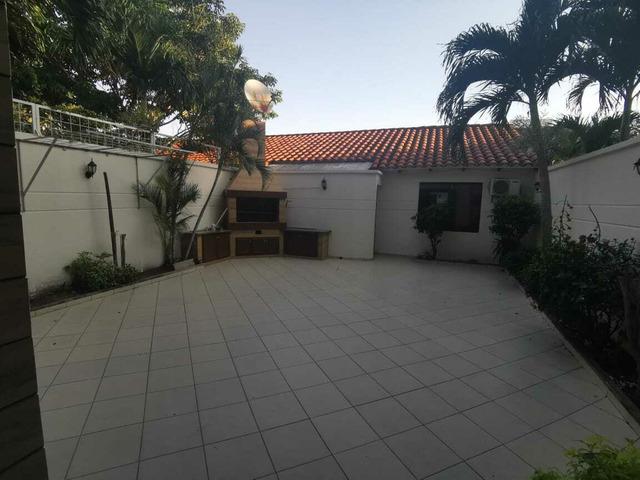 Hermosa casa en alquiler en Urbanización Cerrada Av Roca y Coronado. - 3