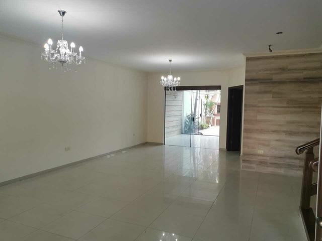 Hermosa casa en alquiler en Urbanización Cerrada Av Roca y Coronado. - 5