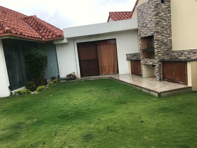 Casa independiente en alquiler  de 4 dormitorios en condominio zona Remanso. - 2