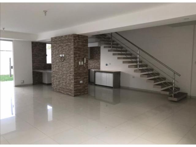 Hermosa casa de 2 plantas, 2 dormitorios y 1 suíte, en condominio cerrado directo con propietario - 5