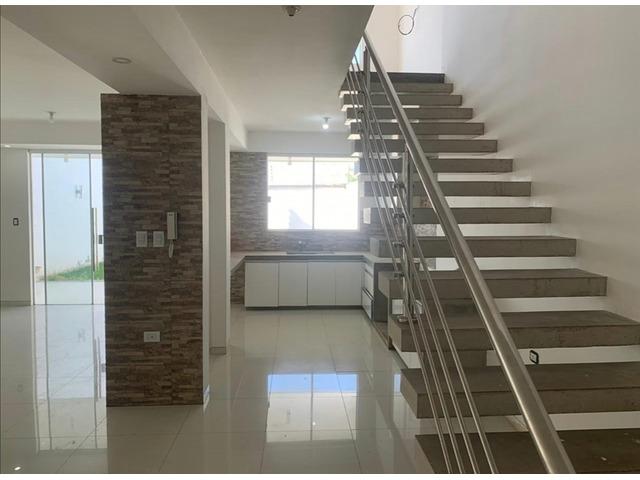 Hermosa casa de 2 plantas, 2 dormitorios y 1 suíte, en condominio cerrado directo con propietario - 4