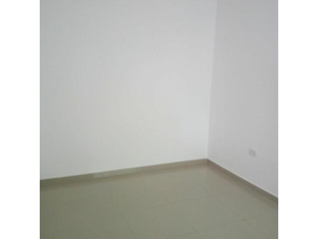 Casita independiente en alquiler de 2 dormitorios zona Av Paragua y 4to anillo. - 5