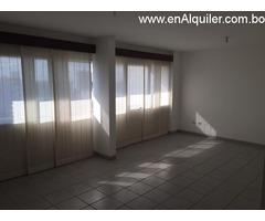Bienes Raíces ¨Jireh¨ Alquila Hermoso y Lujoso Departamento de 3 habitaciones en zona Equipetrol